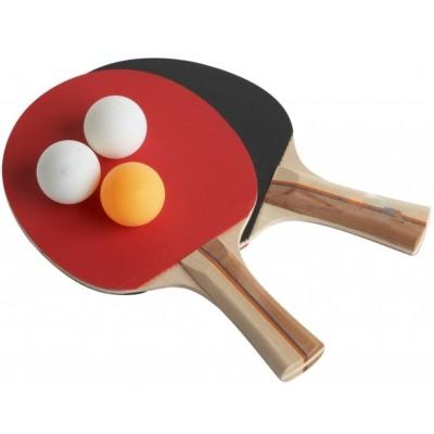 Zwei Tischtennisschläger mit 3 Bällen